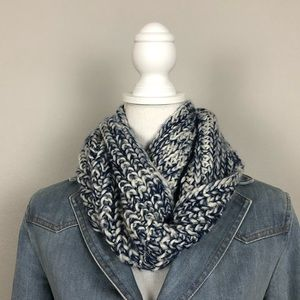 Gertex Women's Infinity Scarf One Size Blue White